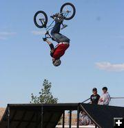 * BMX (extrême) dans Vidéos spectaculaires thb-rossoldowupsidedown