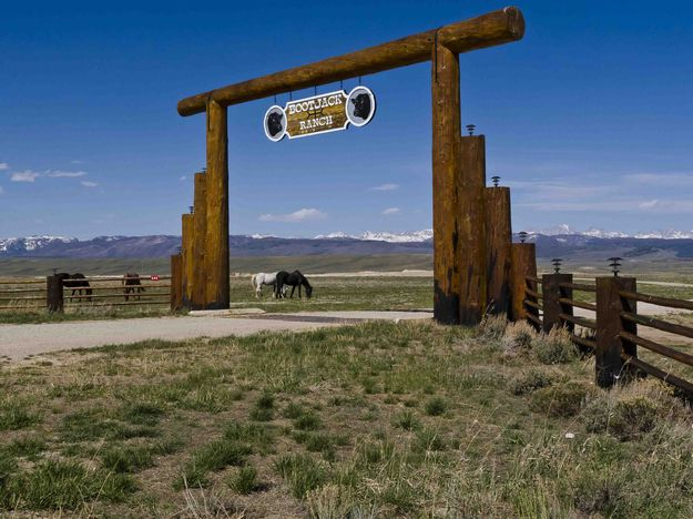 Boot Jack Ranch Entry Gate Dave Bell Pinedale Online