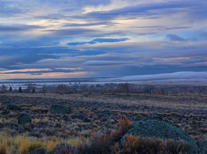 Morning Pinedale. Photo by Dave Bell.