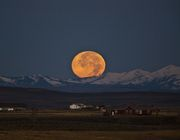 Moon Set Behind Wyoming Range. Photo by Dave Bell.