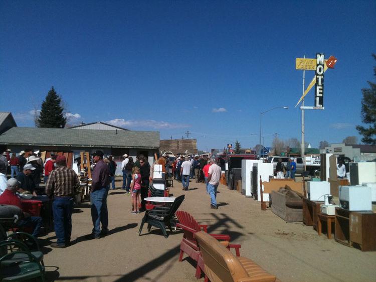 Pine Creek Inn auction