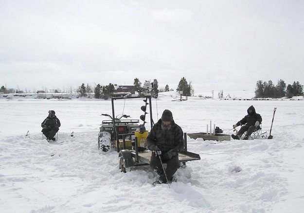 Wyoming ice fishing pinedale wyoming for Wyoming non resident fishing license